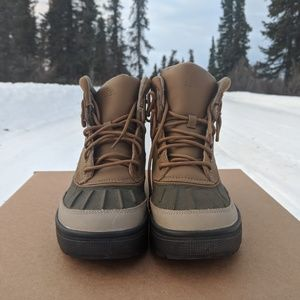 NIKE WOODSIDE II WINTER BOOTS ~ SIZE USA YOUTH 4.5